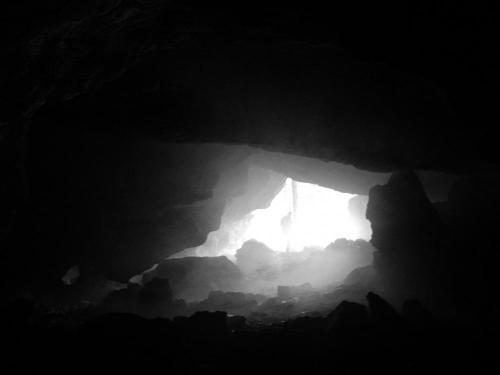 V Narodnej prirodnej pamiatke - Jaskyna Okno